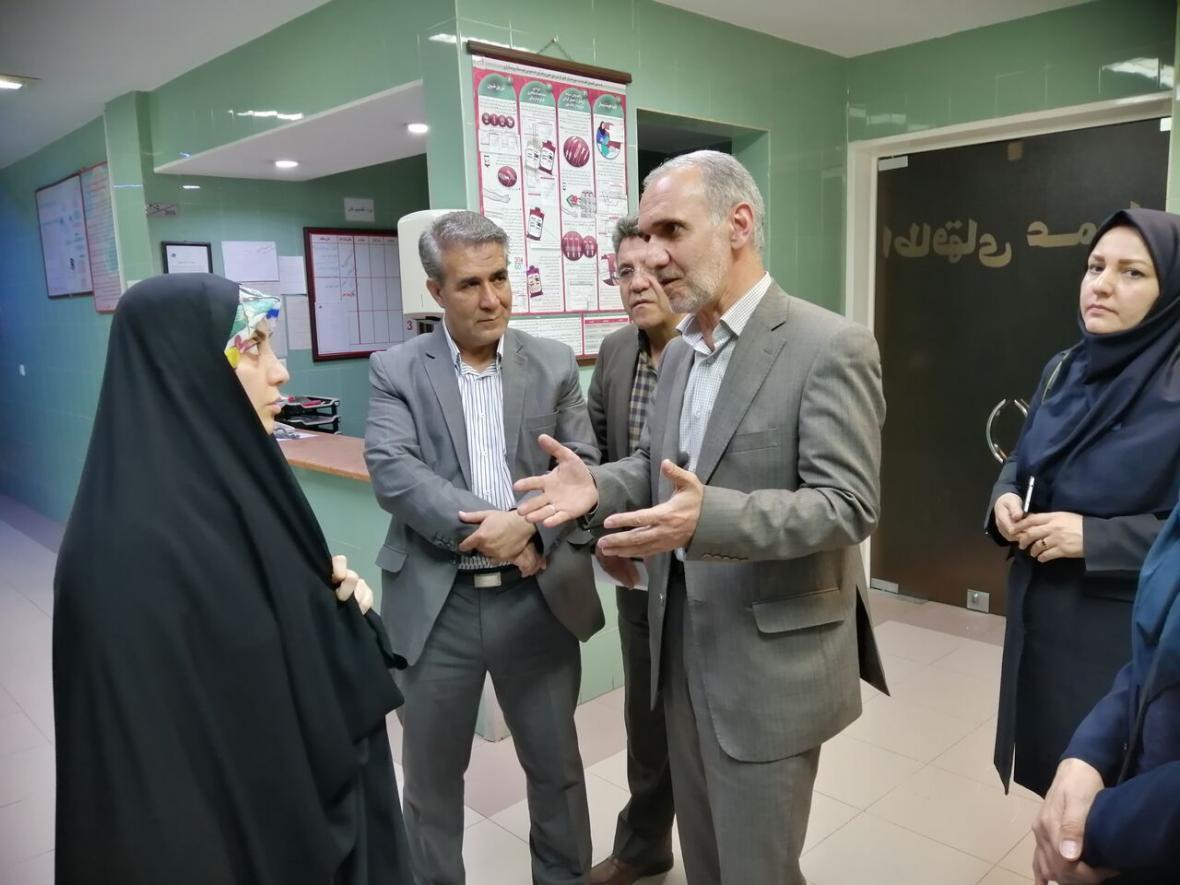خبرنگاران مسائل بیمارستان رحیمیان الوند با اهدا به بخش دولتی برطرف می شود
