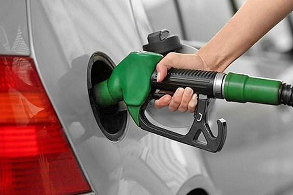 سهمیه های بنزین نمی سوزد ، هیچ پمپ بنزینی در کشور تعطیل نشده است