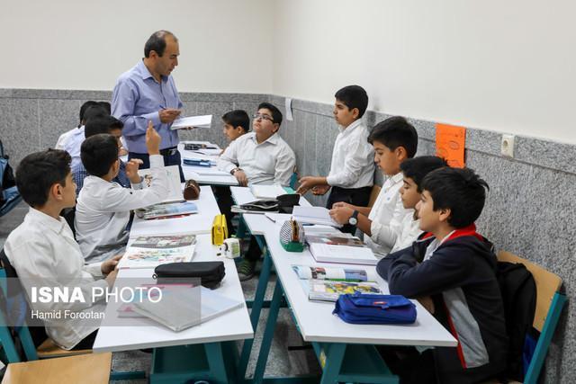 انتقاد پورابراهیمی از میزان سرانه آموزشی کلانشهر کرمان