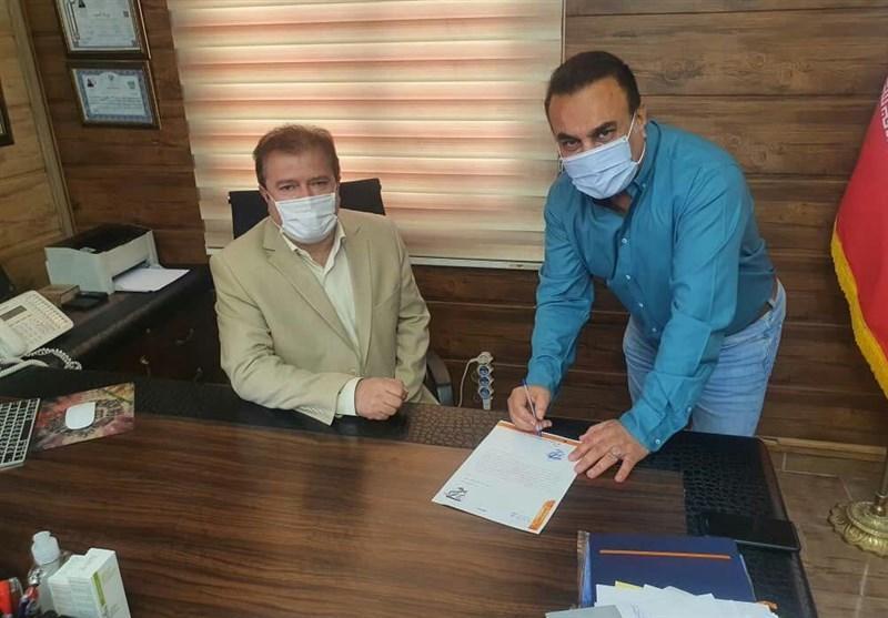 کاظمی قراردادش با بادران را تمدید کرد