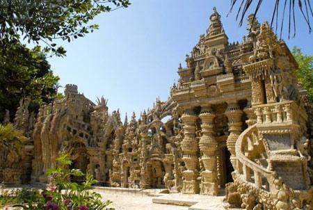 ساخت کلیسا با سنگ ریزه در فرانسه