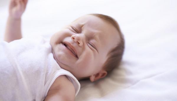 قطره متوکلوپرامید برای نوزادان؛ نحوه مصرف و عوارض جانبی