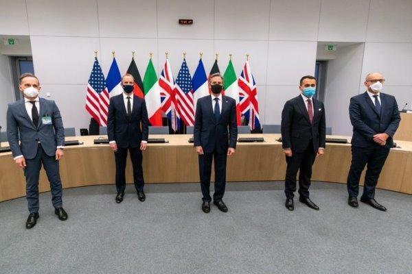 وزرای خارجه آمریکا و چهارکشور اروپایی پیرامون ایران رایزنی کردند