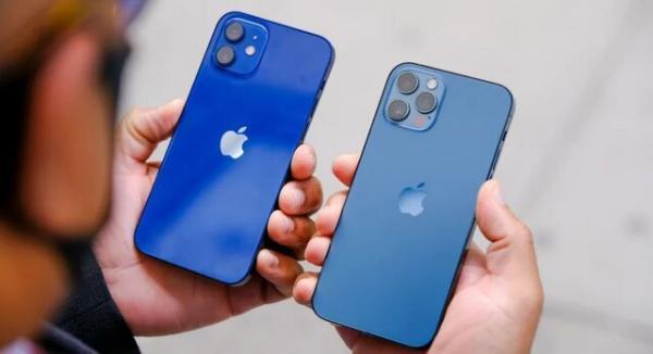 تصمیم اپل برای حذف آداپتور برق آیفون های جدید