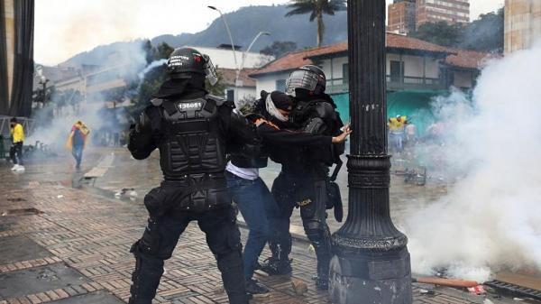 ادامه اعتراض ها در کلمبیا، پلیس به سوء استفاده جنسی متهم شد