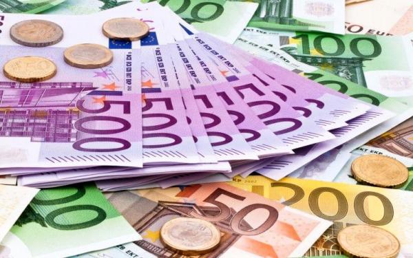 نوسان قیمت عمده دلار در مرز 22، تزریق یورو رکورد شکست